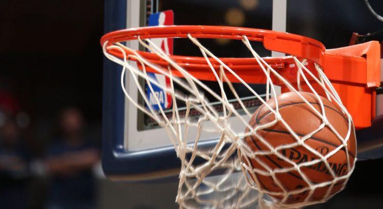 Anaokulu Çocuklarının Basketbol Şovu