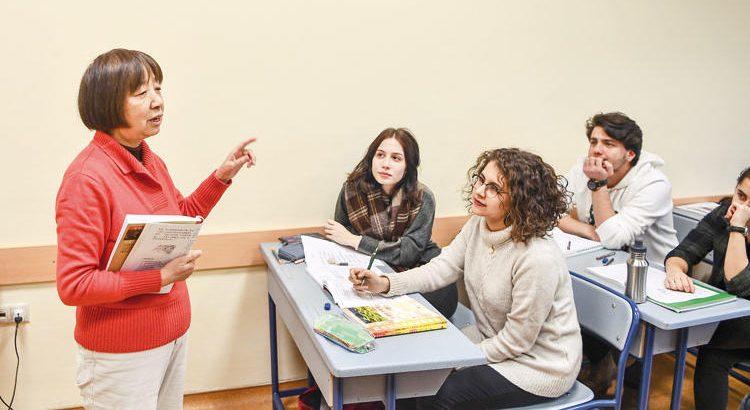 Türk öğrencilerin Çinli öğretmeni!