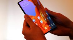 Huawei Mate X'i satışa çıkardı