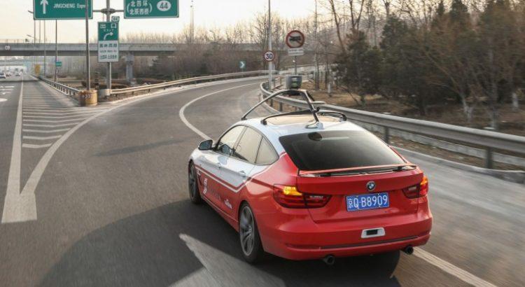 Çin'de insansız otomobiller plakalarını aldı!