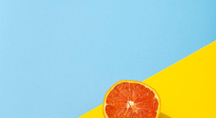 Çin'de havalimanında ilginç olay: 30 kilo portakal yediler